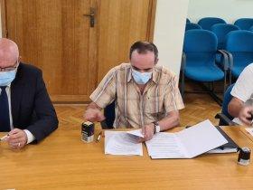 Potpisan Aneks Kolektivnog ugovora za Petrokemiju